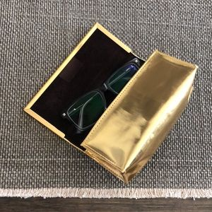TORY BURCH magnetic glasses pouch holder gold tone